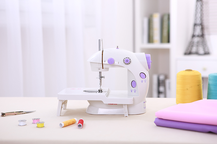How To Operate The Mini Sewing Machine FHSM-202
